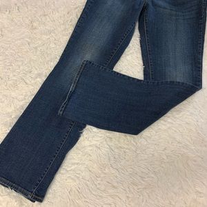 Levi's Jeans - Levi's slightly curve classic rise boot cut 12/31